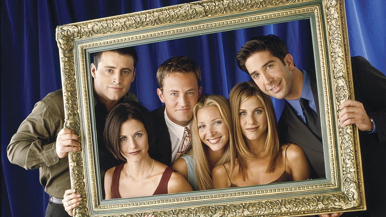 """Kinh doanh của """"Những người bạn"""": Sitcom và diễn viên tiếp tục kiếm tiền như thế nào"""
