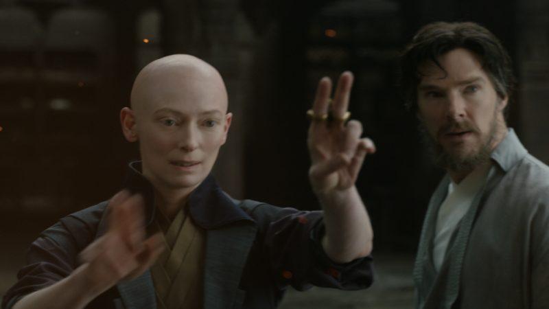 """Sự lựa chọn """"cũ"""" của Doctor Strange là một sai lầm: studio - deadline"""