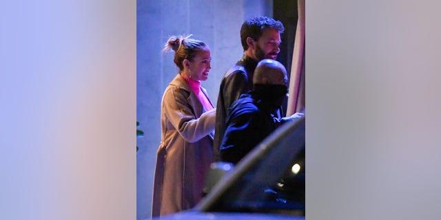 Ben Affleck và Jennifer Lopez đã hẹn hò ăn tối ở Los Angeles vào tháng 5.