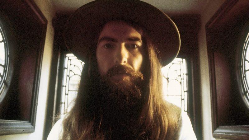George Harrison phải làm đủ mọi cách để có được bộ hộp nhựa vinyl sang trọng