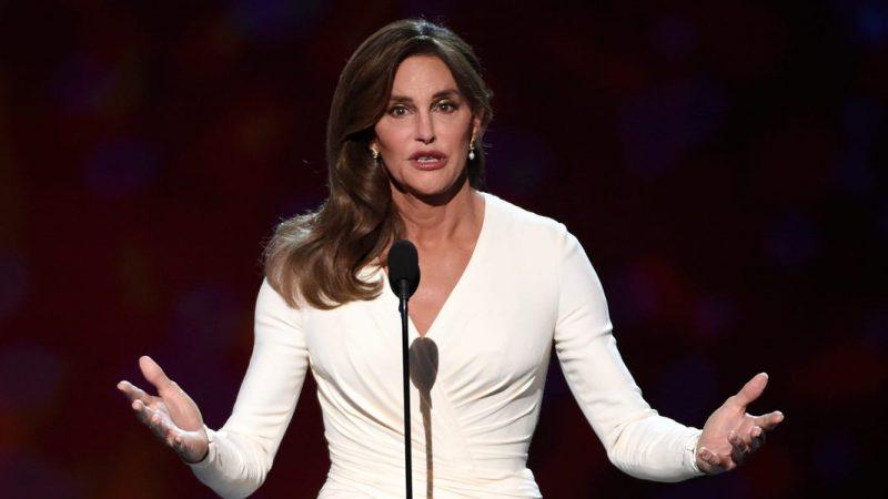 Caitlyn Jenner cho biết lều ở Beverly Hills là dấu hiệu mới nhất của cuộc khủng hoảng