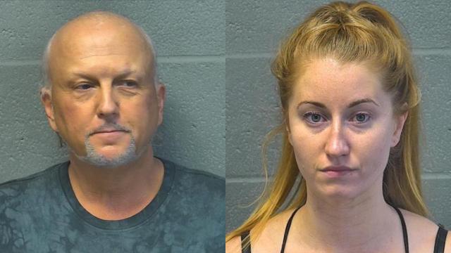Cảnh sát cho biết Jeff Lowe, từ loạt phim Netflix 'Tiger King', và vợ của anh ta đã bị bắt vì nghi ngờ ăn DUI tại OKC.