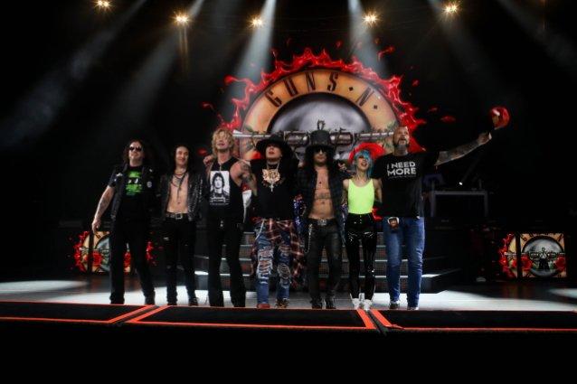 Guns N 'Roses thông báo về chuyến lưu diễn Hoa Kỳ mùa hè năm 2021 với Mammoth Wvh