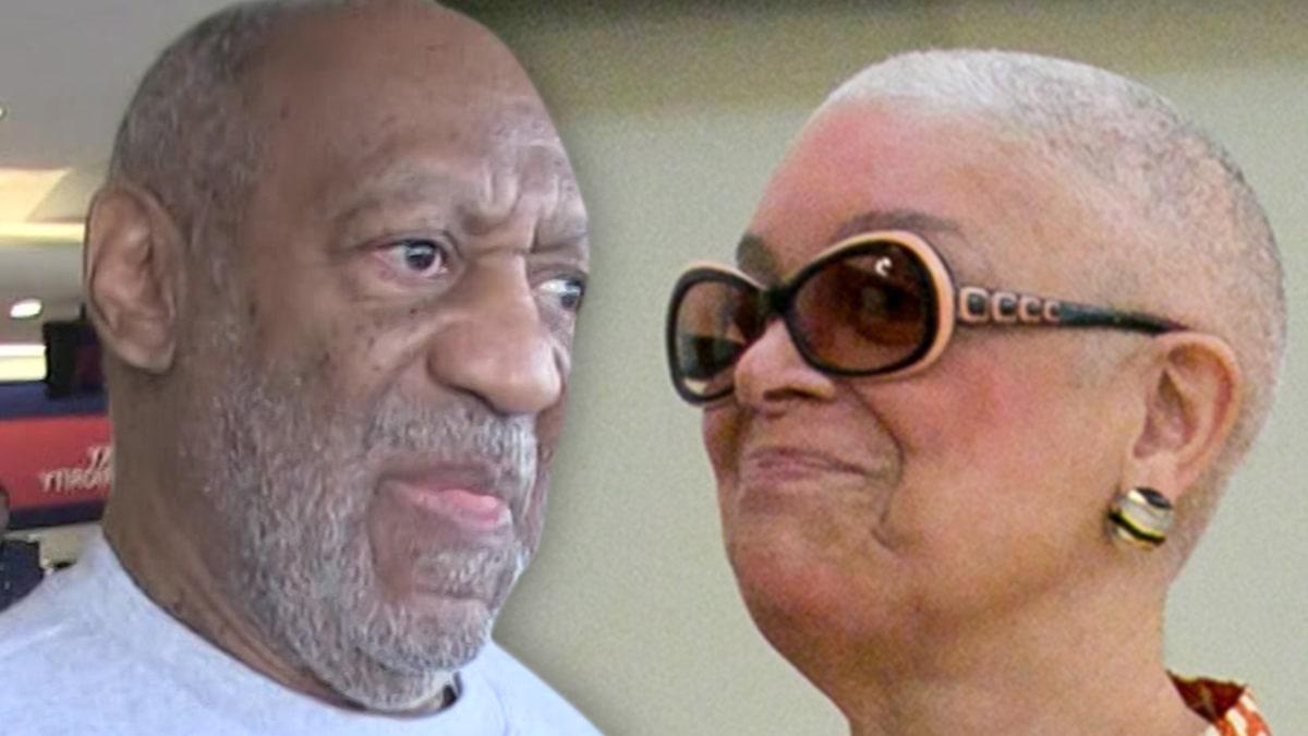 Vợ của Bill Cosby, Camille được nhìn thấy mà không có nhẫn cưới, nhưng nam diễn viên phủ nhận mọi vấn đề