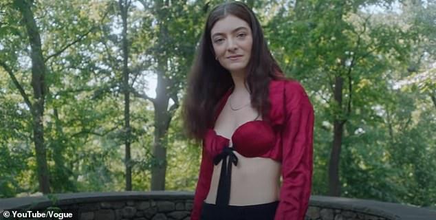 Q&A: Lorde đã tiết lộ những sự thật ít được biết đến về bản thân trong cuộc phỏng vấn với 73 Câu hỏi của Vogue Mỹ hôm thứ Tư.