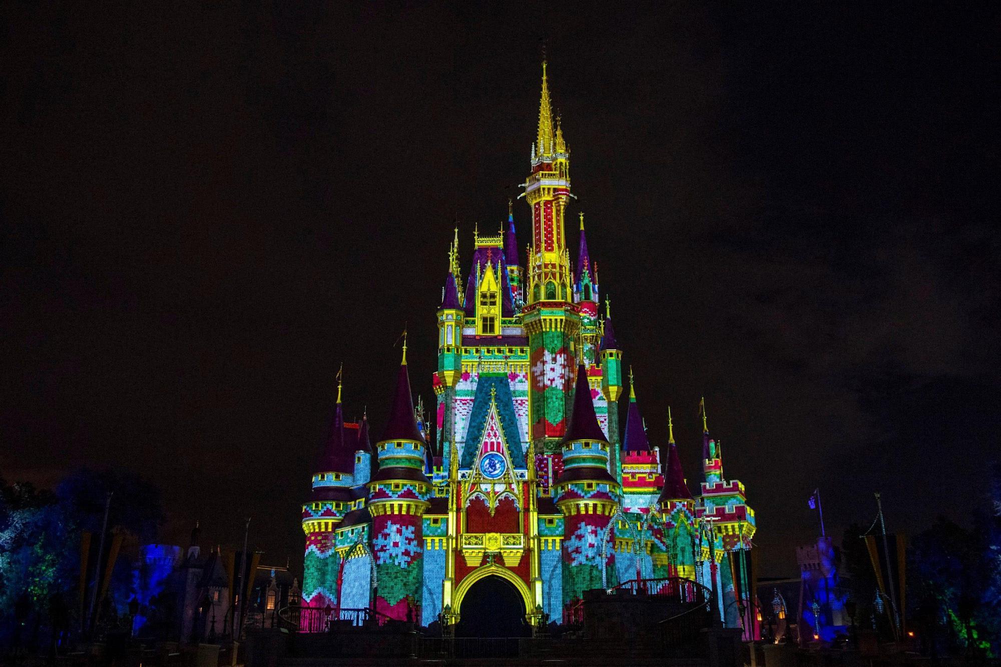 Bữa tiệc sinh nhật rất vui vẻ của Mickey đã được thay thế bằng một sự kiện kỳ nghỉ mới tại Disney World