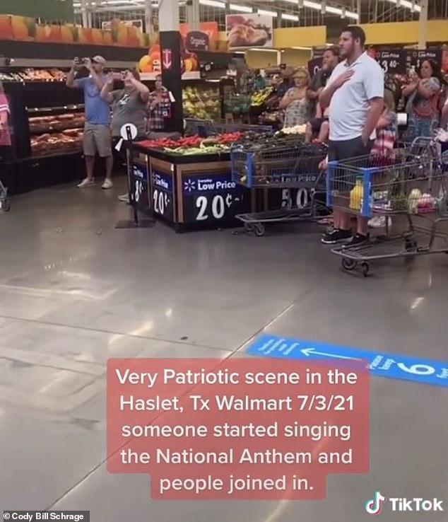 Video TikTok lan truyền đã ghi lại khoảnh khắc những người mua sắm tụ tập với nhau trong một vành đai ngẫu hứng để hát Quốc ca vào ngày 3 tháng 7 tại một cửa hàng Walmart ở Haslett, Texas