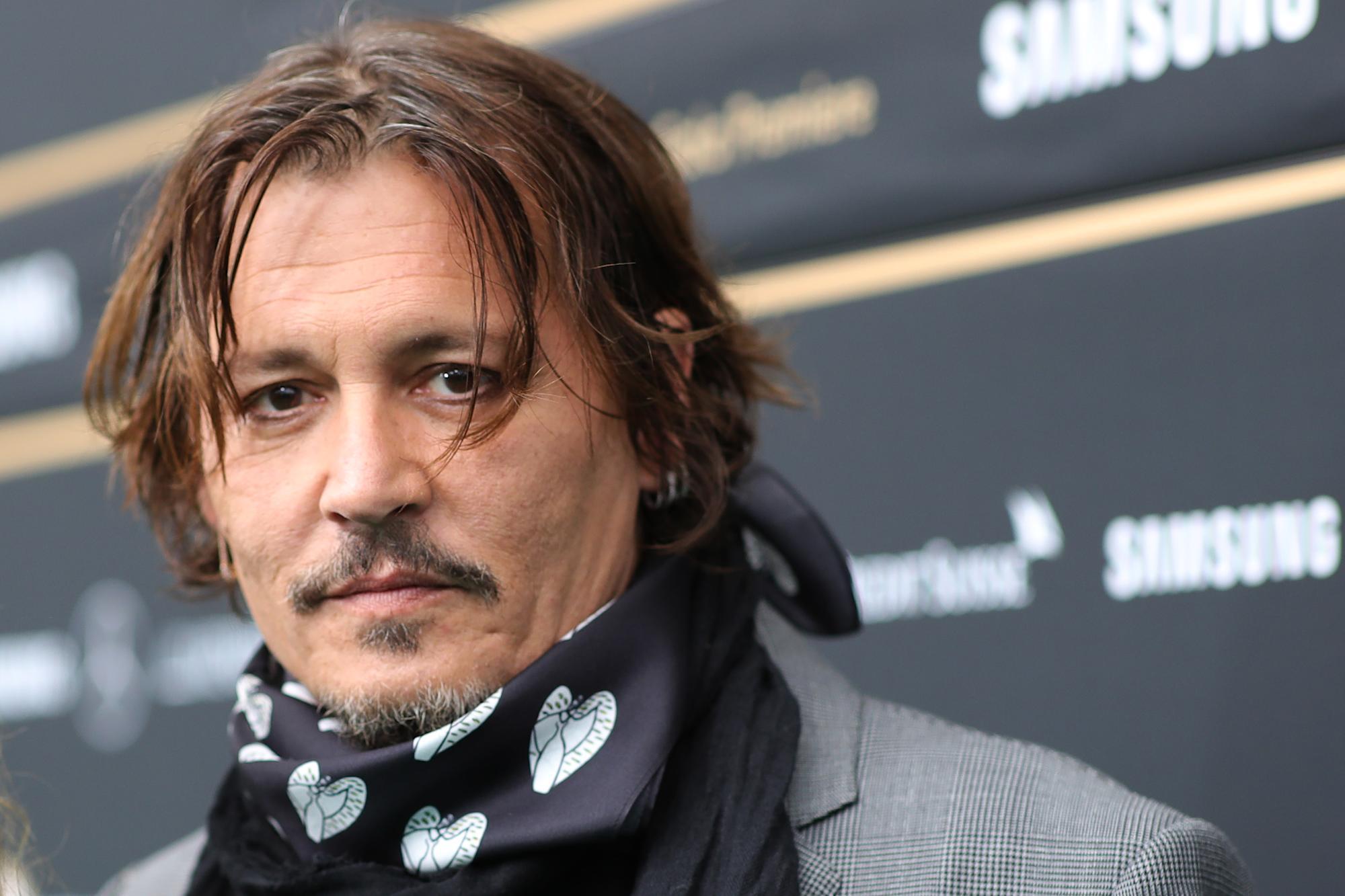Johnny Depp nói về việc tẩy chay Hollywood trong cuộc phỏng vấn đầu tiên kể từ khi thua kiện