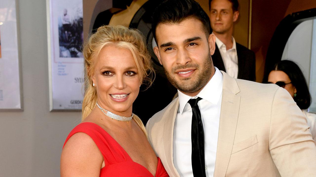 Britney Spears thổ lộ về bạn trai Sam Asgari: 'Bạn đã ở bên tôi trong những năm tháng khó khăn nhất của cuộc đời tôi'