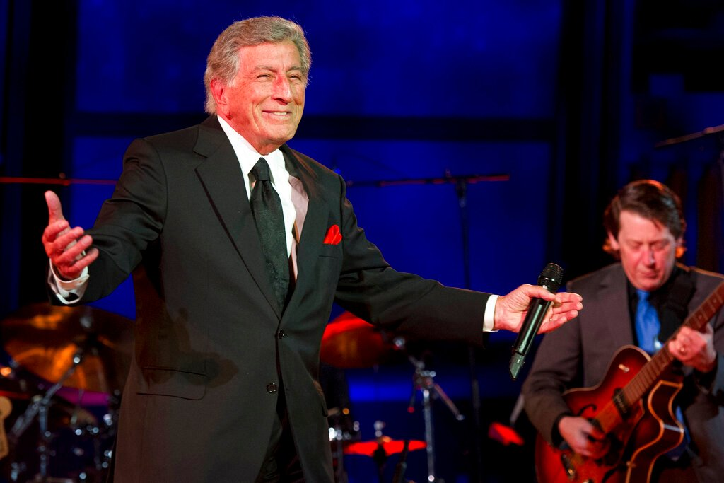 Ca sĩ Tony Bennett đã chính thức từ giã sự nghiệp 70 năm của mình – Deadline