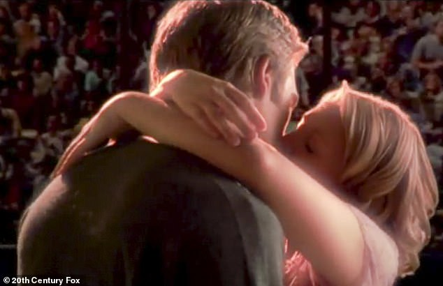 Ồ!  Sau khi thực hiện nụ hôn cao trào giữa nhân vật Josie và Vartan của Drew, nam diễn viên thừa nhận rằng anh thực sự phấn khích trong cảnh hôn.