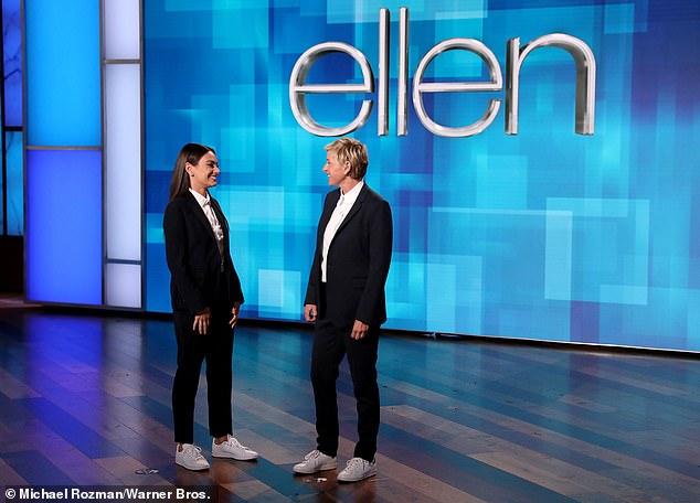 Giải quyết tranh cãi: Tại một thời điểm, DeGeneres đã trực tiếp hỏi người đồng dẫn chương trình của cô ấy về những phát biểu gây tranh cãi của cô ấy liên quan đến vấn đề vệ sinh cho con cái của cô ấy.