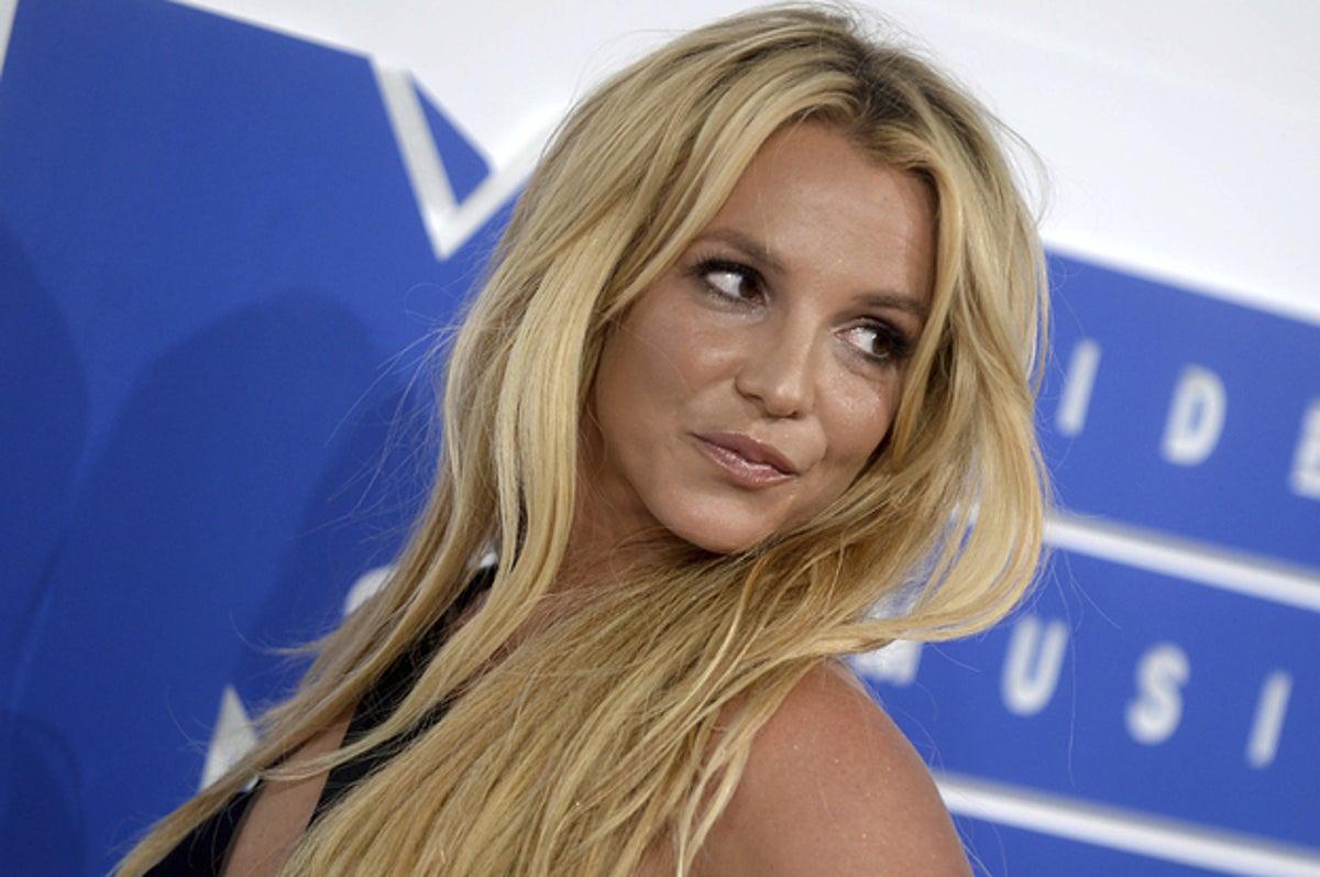 Britney Spears sẽ không đối mặt với việc sạc pin trong tranh chấp quản gia