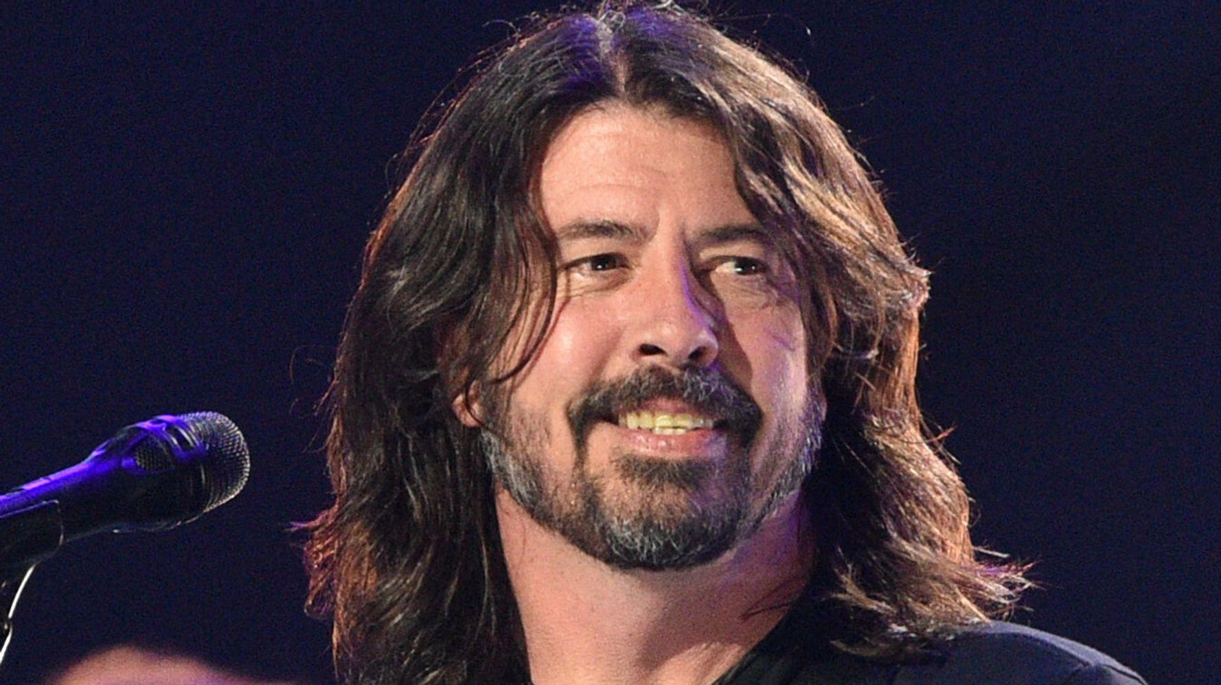 """""""Oh My God"""": Dave Grohl khám phá bất ngờ về bài hát nổi tiếng Nirvana"""