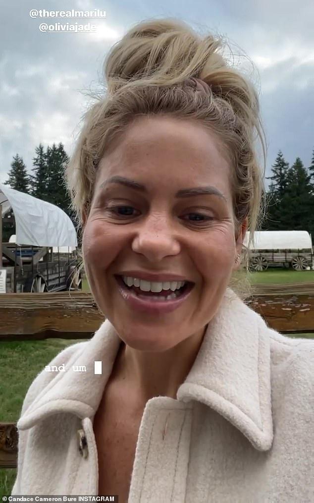 Đó là một bí mật: Nữ diễn viên trước đây đã nói rằng cô ấy sẽ không tiết lộ tình trạng tiêm chủng của mình trong khi cũng chỉ trích các nhiệm vụ tiêm chủng, mặc dù NPR đã lưu ý vào tháng 8 rằng đã có 'hai thế kỷ tiền lệ pháp lý' ủng hộ các quy định về vắc xin ở Mỹ